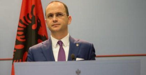 Bushati: Maqedonia në krizë politike